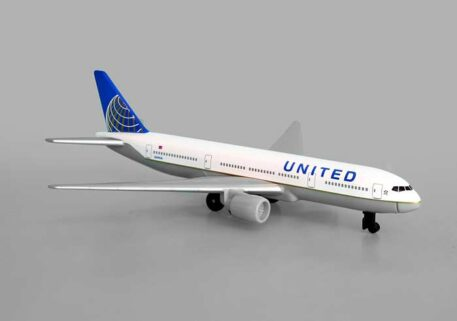 United Airlines B777